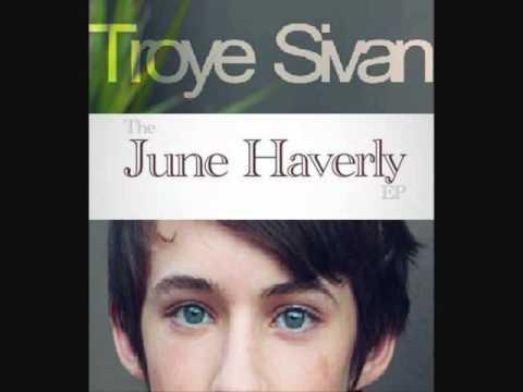 Troye Sivan - She's 22 lyrics