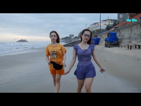 2 chị em sinh đôi và biển Vũng Tàu