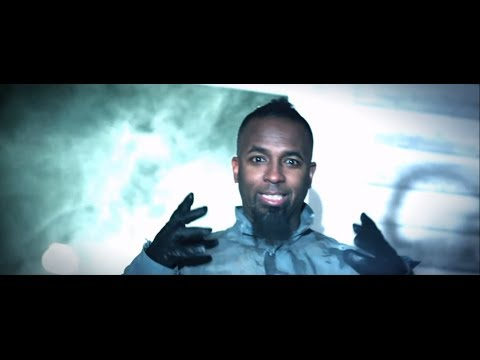 Tech N9ne – Am I A Psycho? (Feat. B.o.B and Hopsin) – Official Music Video