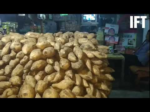 Ada Kuliner Street Food di MASJID AT-TA'AWUN PUNCAK BOGOR