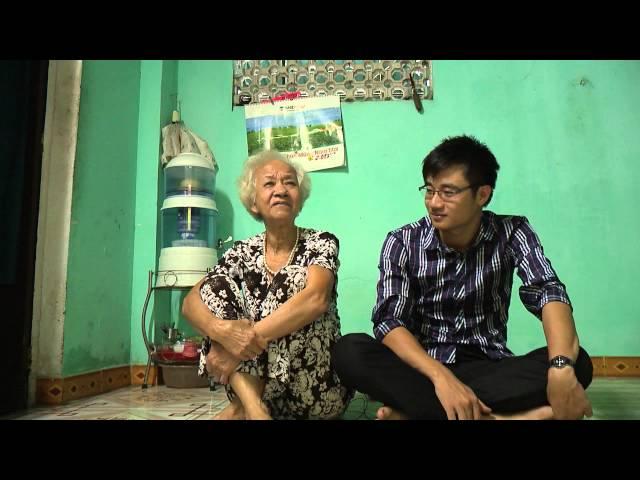 Cụ bà fan MU 72 tuổi. Có thể ctôi đang mất niềm tin với Moyes, nhưng tình yêu dành cho CLB thì sẽ mãi không bao giờ thay đổi. GGMU