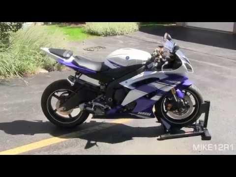 2014 Yamaha YZF-R6 GYTR Exhaust Sound & Walkaround - Blue White 2014 Yamaha R6 Engine Start, Revving
