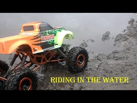 Hsp rock crawler 1/10 riding in the water and mud.