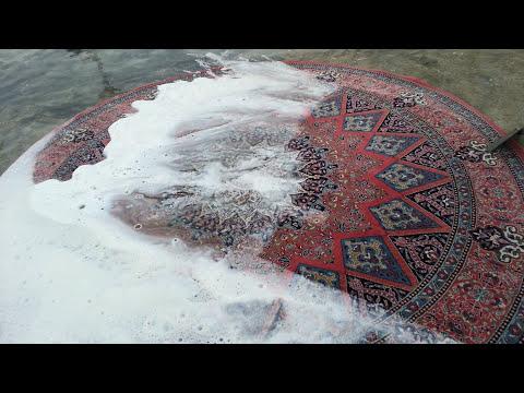 washing carpet in the UAE