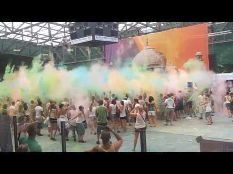 , title : 'Holi Festival of Colors BASEL/Schweiz - World's BIGGEST color party'