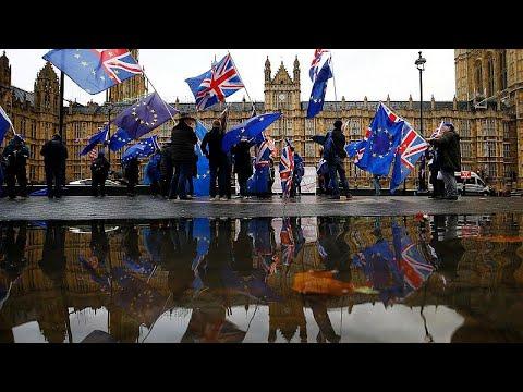 Brexit: Διπλή ήττα στο Κοινοβούλιο για την κυβέρνηση Μέι
