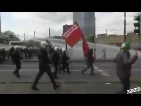 نابودی اروپا توسط مهاجران مسلمان - نارضایتی مردم و درگیری با پلیس/1