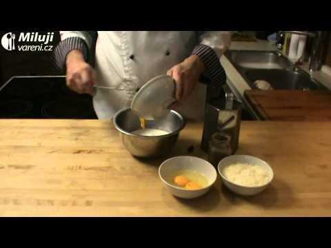Ořechový koláč s parmezánovou náplní