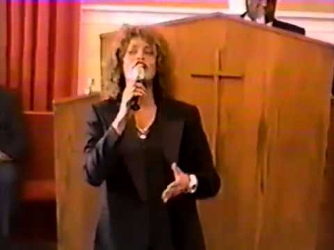 Whitney Houston – 'God Will Take Care of You' (RARE FOOTAGE)