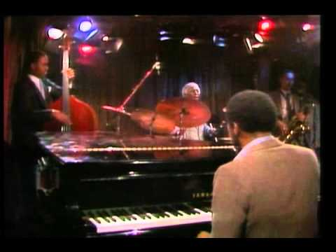 Art Blakey and The Jazz Messengers – Live at The Village Vanguard Club (1982)