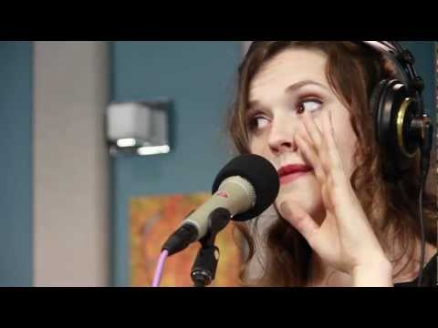 Halie Loren 'Ode To Billy Joe' & 'A Woman's Way' | Live Studio Session