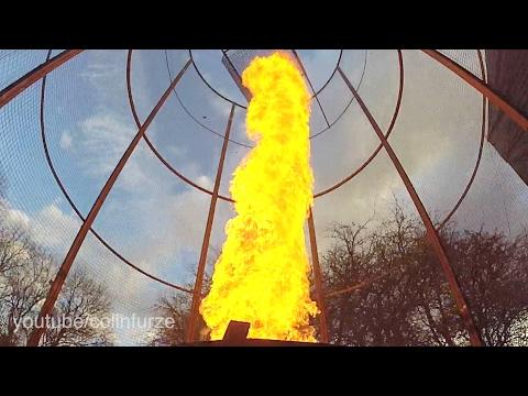Hurja tee se itse-tulitornado kohoaa taivaisiin – Melkoinen laite!