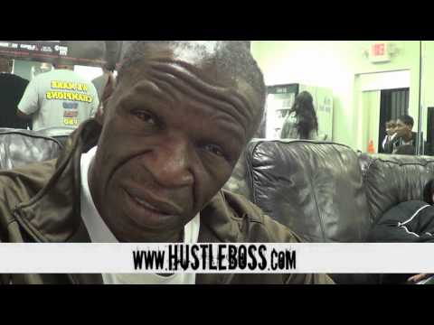 Floyds - VISIT http://www.HustleBoss.com FOR MORE EXCLUSIVES In the first edition of the 'Floyd Mayweather Sr. Mailbag', the outspoken head trainer weighs in on a var...
