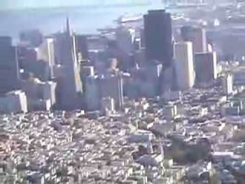 SAN FRANCISCO BAY - A scenic flight over San Francisco and featuring the Golden Gate bridge. Music: Loro by Pinback. Many thanks to Bob Spofford for the flight.