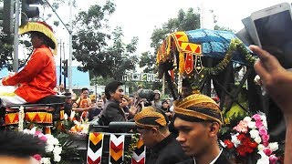 VIDEO - Iring-Iringan Kahiyang dan Bobby di Medan