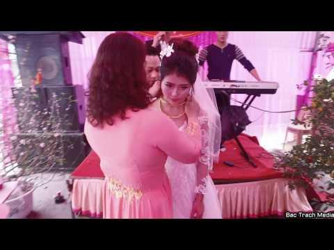 :(  Đám cưới mẹ chồng khóc hơn cả mẹ vợ  hài hước