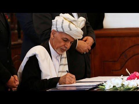 Αφγανιστάν: Οριστικές υπογραφές στη συμφωνία ειρήνης κυβέρνησης και ισλαμιστών