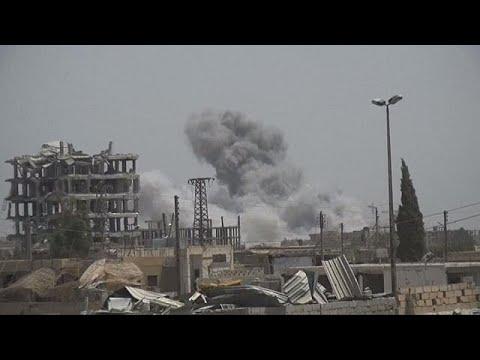 Mαίνονται οι σφοδρές μάχες στη Ράκα