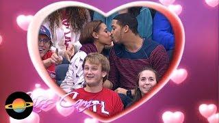 "Video 10 niezręcznych sytuacji podczas ""kiss cam"" na stadionach MP3, 3GP, MP4, WEBM, AVI, FLV Agustus 2018"
