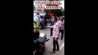 Video Ditilang Polisi Sarjana Hukum Di Medan Ngajak Debat MP3, 3GP, MP4, WEBM, AVI, FLV Maret 2019