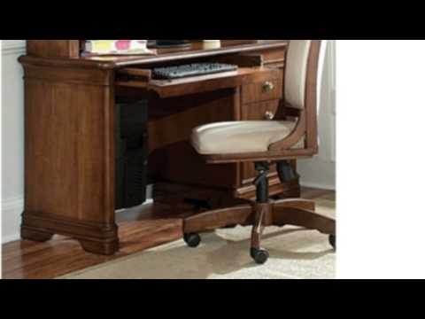 Video Video overview of the Classics Computer Desk