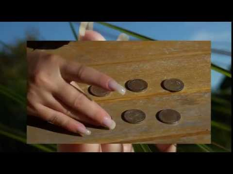 Long natural fingernails of Beautynails and coins (video 5)