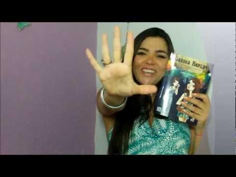 Tammy Luciano apresenta seu livro Garota Replay