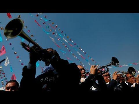 Το Μεξικό γιόρτασε με χιλιάδες Μαριάτσι