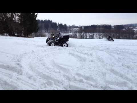 4x4 ve sněhu a přece se točí