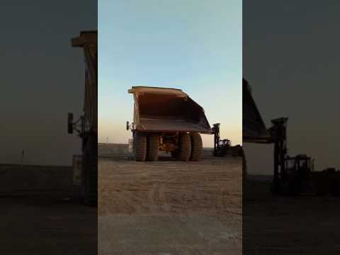 CATERPILLAR OFF HIGHWAY TRUCKS 793D equipment video 559MVGIMhFI