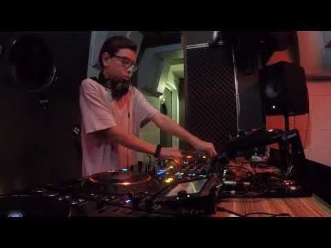 Varoc Live From Trade Dj School (Madrid) (01-11-2019)