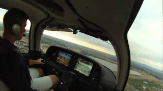 Cirrus TN22 Landing At Centennial Airport