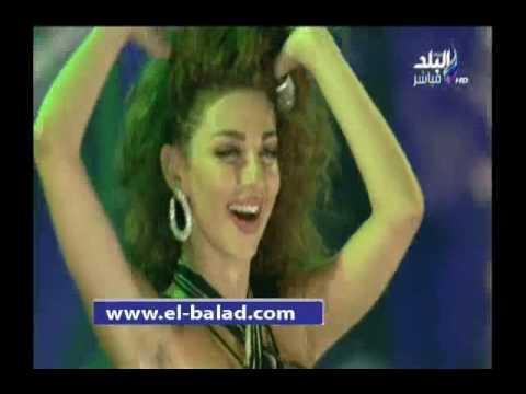 ميريام فارس تتحدى جمهور حفلها بشرم الشيخ في الرقص
