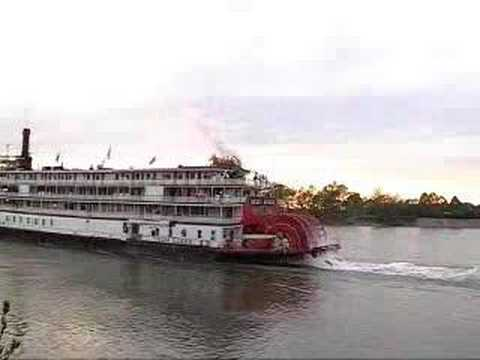 Steamboat - Video portrait of the famous, historic paddlewheel steamboat Delta Queen. Music by The Heftone Banjo Orchestra (www.heftone.com), Creative Commons ShareAlike...
