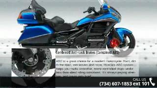 10. 2017 Honda® Gold Wing® Audio Comfort Navi XM Ultra Blue...
