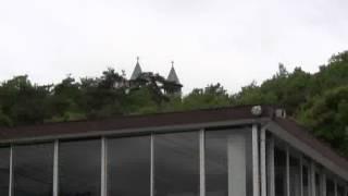 入鹿池の春風景(見晴茶屋前)