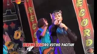 Video Pantai Klayar - Jo Klitik (Official Music Video) MP3, 3GP, MP4, WEBM, AVI, FLV Januari 2018