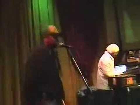 Vitrola Adudaba e Ras Dalaia ao vivo