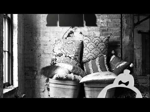 ที-เซอร์ ม้านั่งไม้ ซูโม่