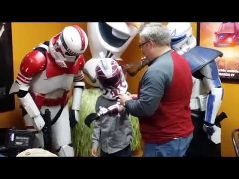 Stormtroopers surprise 7-year-old with 3D-printed prosthetic arm