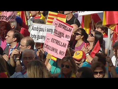 برشلونة: متظاهرون ضد استفتاء كاتالونيا