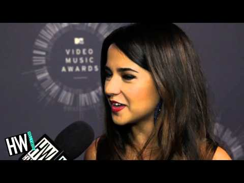 Austin - Becky G Talks Austin Mahone Dating Rumors & New Album! Subscribe to Hollywire | http://bit.ly/Sub2HotMinute Send Chelsea a Tweet! | http://bit.ly/TweetChelsea Follow Hollywire! | http://bit.ly/Twee...