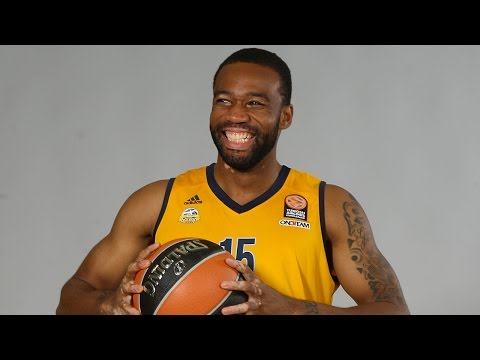 Play of the Night: Reggie Redding, ALBA Berlin