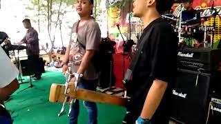 Rumput laut-siska song (Cover Hansaplast band)frekuensi satu atap #2 (konser bom tuban)