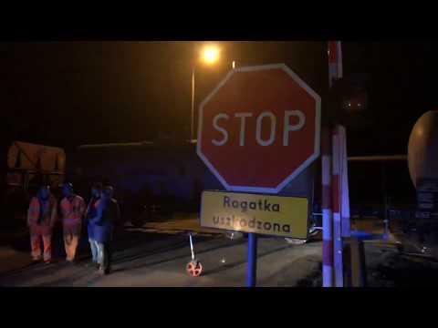 Wideo: Wypadek na przejeździe kolejowym pod Oborą