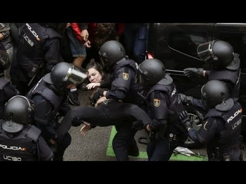 Barcelona Clashes Video | Catalan referendum clashes | batons on crowd in Barcelona