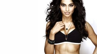 Bipasha Basu to host a model hunt show on small screen