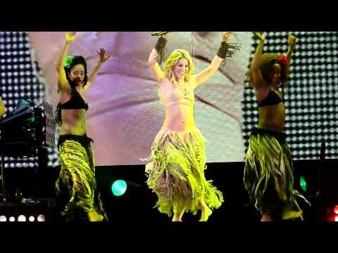 Shakira - Waka Waka  Live