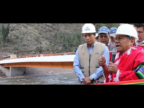 PRESIDENTE REGIONAL DE CUSCO INAUGUR� PUENTE CHUQUICAHUANA