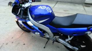 1. 2004 Yamaha yzf 600R